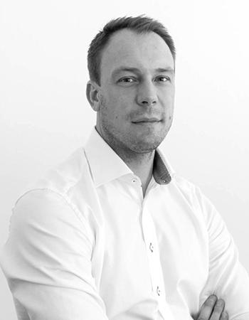 Daniel Söderström, Mäklare